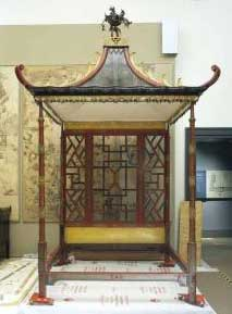 Chinoiserie Furniture Chinese Chippendale Style - Chinese chippendale bedroom furniture